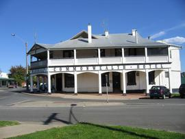 Commonwealth Hotel - Accommodation Batemans Bay