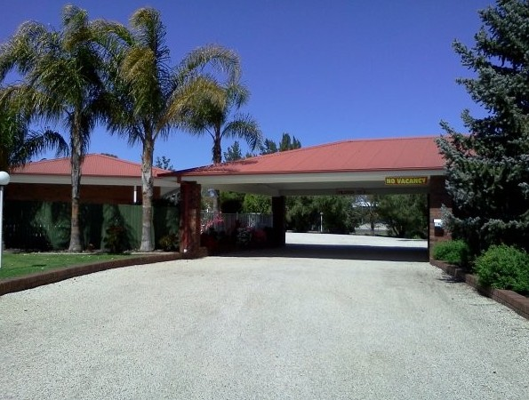 Golden Chain Border Gateway Motel - Accommodation Batemans Bay