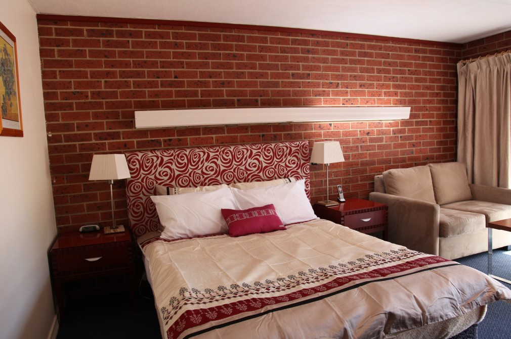 Carnegie Motor Inn and Serviced Apartments - Accommodation Batemans Bay