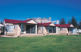 The Mac's Beachfront Villas - Accommodation Batemans Bay