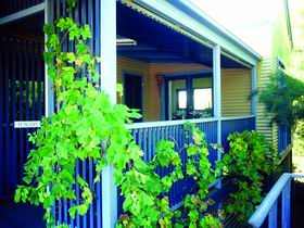 Lavender Blue Country Apartments - Accommodation Batemans Bay