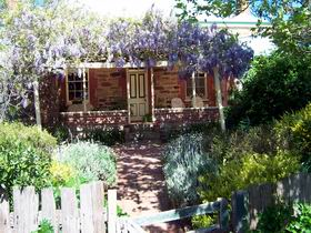 Sea  Vines Cottage - Accommodation Batemans Bay
