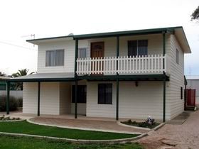 Louth Bay Holiday Apartment - Accommodation Batemans Bay