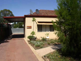Loxton Smiffy's Bed And Breakfast Sadlier Street - Accommodation Batemans Bay