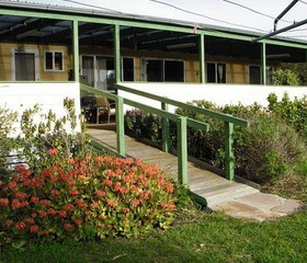 The Folly Holiday Home - Accommodation Batemans Bay
