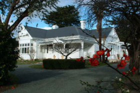 Huonville Guesthouse - Accommodation Batemans Bay