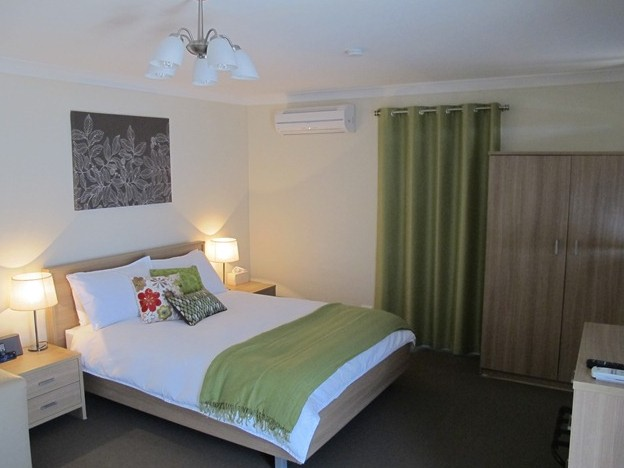 West Wing Guest House - Accommodation Batemans Bay