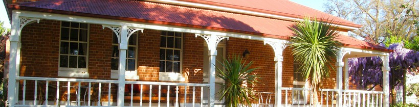 Araluen Old Courthouse Bed and Breakfast - Accommodation Batemans Bay