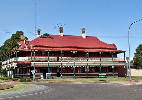 The New Coolamon Hotel - Accommodation Batemans Bay