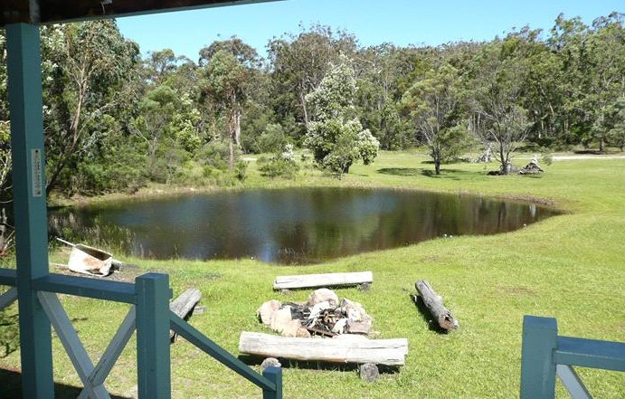 Possums Hollow and Hooters Hut - Accommodation Batemans Bay