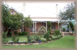 Guy House Bed and Breakfast - Accommodation Batemans Bay