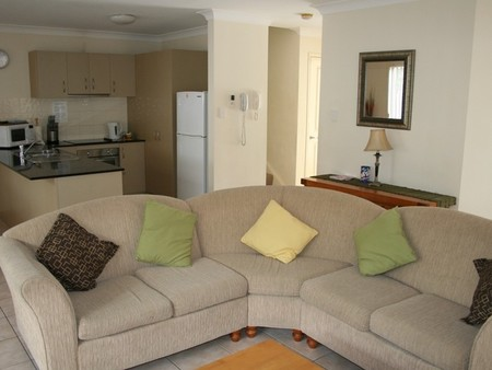 Pacific Sun Gold Coast Holiday Townhouse - Accommodation Batemans Bay