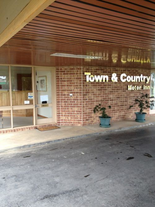 Town amp Country Motor Inn Forbes - Accommodation Batemans Bay