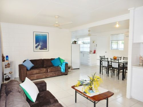 Lucinda Holiday Rentals  - Accommodation Batemans Bay