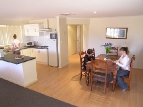 Copper Cove Holiday Villas - Accommodation Batemans Bay