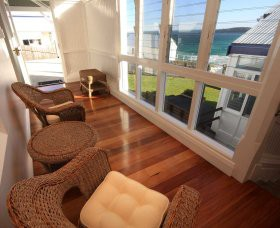 Sugarloaf Point Lighthouse Holiday Accommodation - Accommodation Batemans Bay