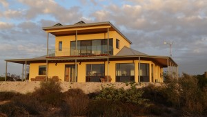 Dolphin Holiday House - Accommodation Batemans Bay