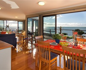 Boat Harbour Beach House - The Waterfront - Accommodation Batemans Bay
