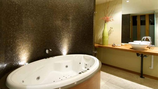 Hepburn Spa Pavilions - Saffron - Accommodation Batemans Bay