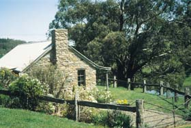 Adelaide Hills Country Cottages - Gum Tree Cottage - Accommodation Batemans Bay