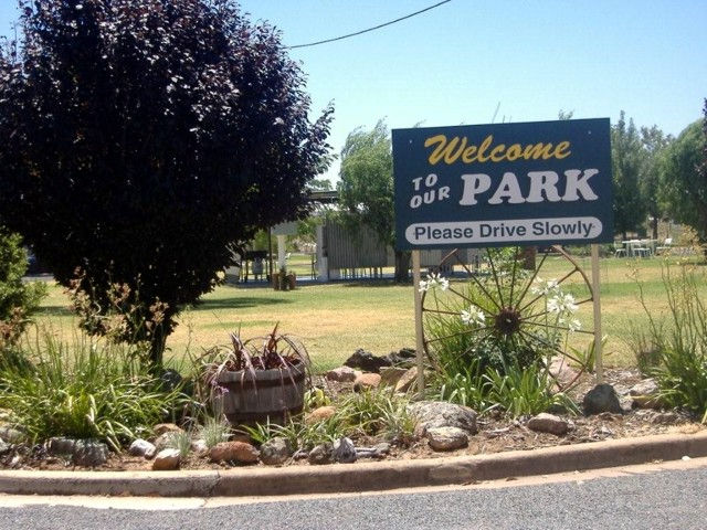 Country Club Caravan Park - Accommodation Batemans Bay