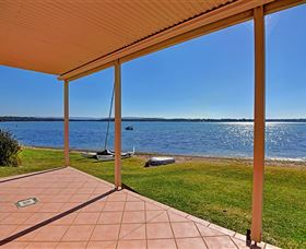Luxury Waterfront House - Accommodation Batemans Bay
