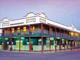 Hotel Corones - Accommodation Batemans Bay