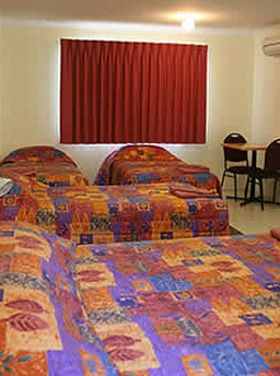 Chinchilla White Gums Motor Inn - Accommodation Batemans Bay