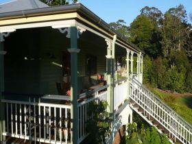The Sanctuary Springbrook. Guest House / Cottage
