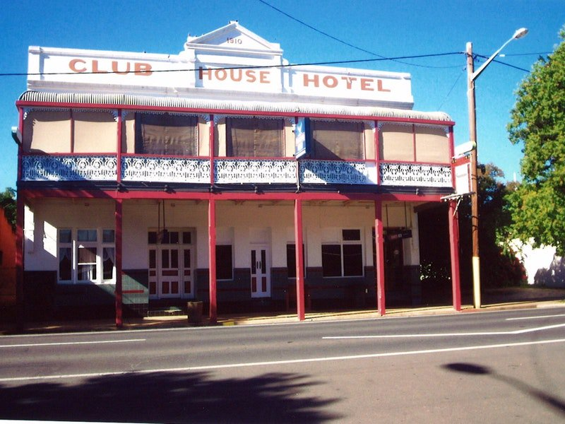 Club House Hotel - Accommodation Batemans Bay