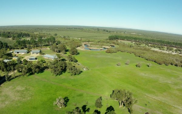 Sandy Lake Farm Stay Accommodation Gingin WA - Accommodation Batemans Bay