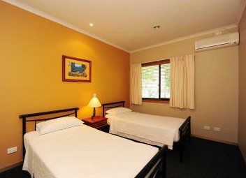 Portside Executive Apartments - Accommodation Batemans Bay