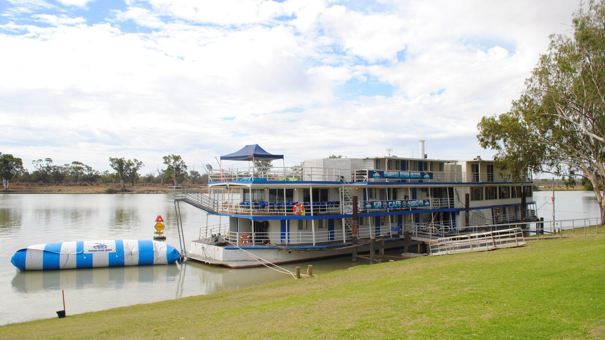 Murray River Queen Backpackers - Accommodation Batemans Bay