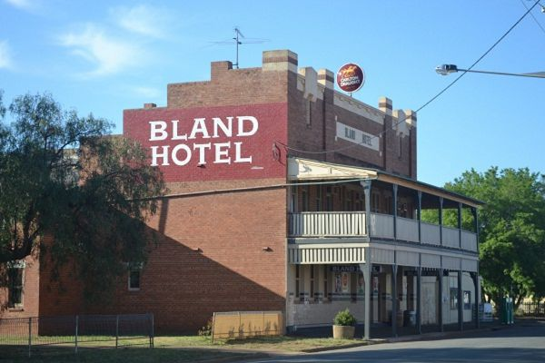Bland Hotel - Accommodation Batemans Bay