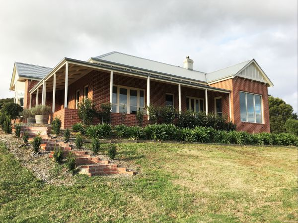 Shearer's Hill - Luxury Farm Stay - Accommodation Batemans Bay