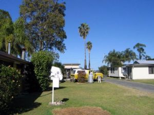Browns Caravan Park - Accommodation Batemans Bay