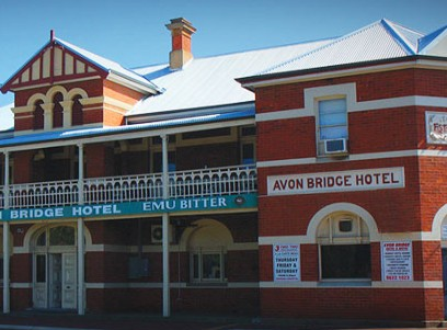 Avon Bridge Hotel - Accommodation Batemans Bay