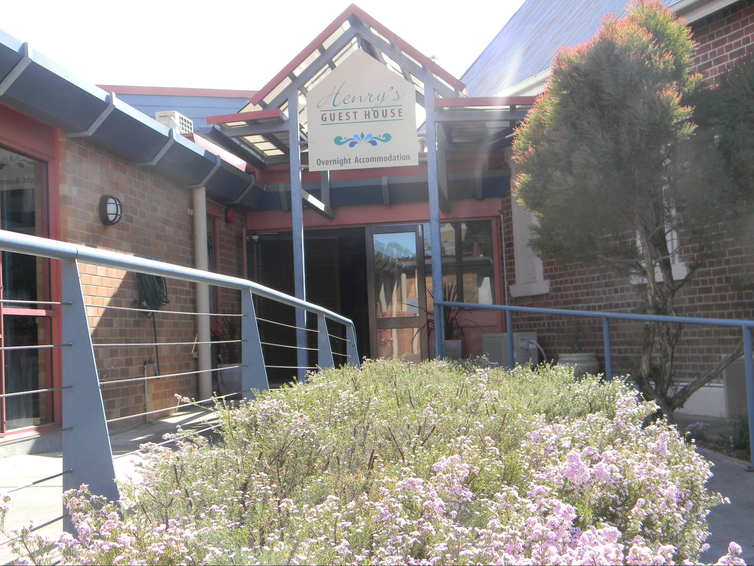Henry's Quirindi Quality Accommodation - Accommodation Batemans Bay