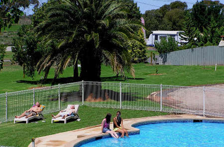 Swan Hill Holiday Park