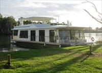 Cloud 9 Houseboats - Accommodation Batemans Bay