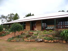Yayl Lodge Bed  Breakfast - Accommodation Batemans Bay
