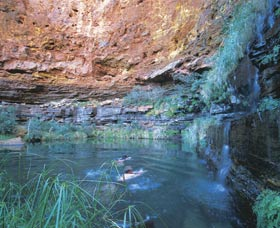 Dales Gorge and Circular Pool - Accommodation Batemans Bay
