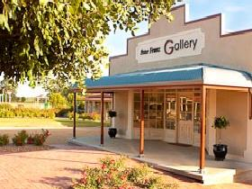 Peter Franz Fine Art Gallery - Accommodation Batemans Bay