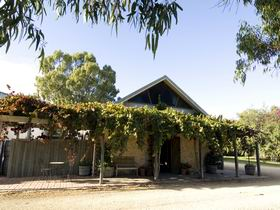 Lake Breeze Wines - Accommodation Batemans Bay