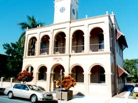 Mackay Town Hall - Accommodation Batemans Bay