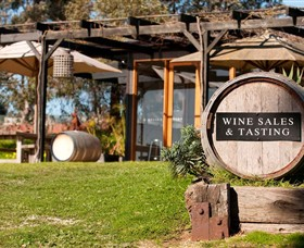 Saint Regis Winery Food  Wine Bar - Accommodation Batemans Bay