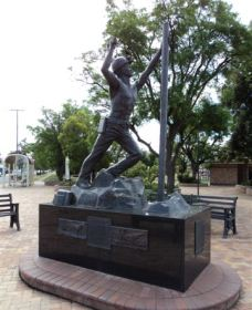 Miners Memorial Statue - Accommodation Batemans Bay