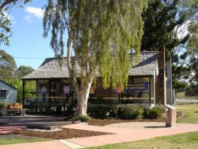 Hay Cottage Arts and Crafts Association Incorporated - Accommodation Batemans Bay