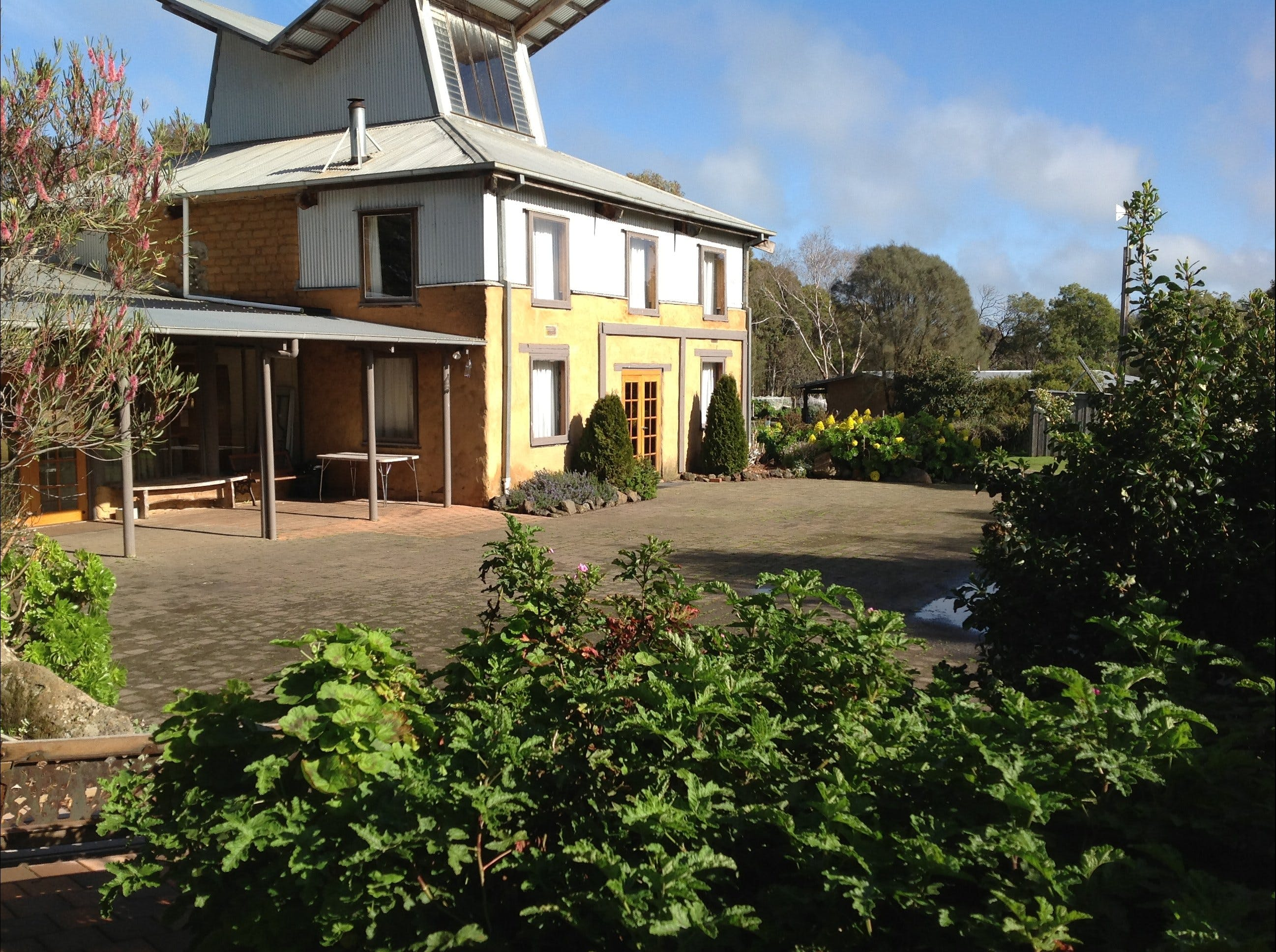 HIRL Hamilton Institute of Rural Learning - Accommodation Batemans Bay