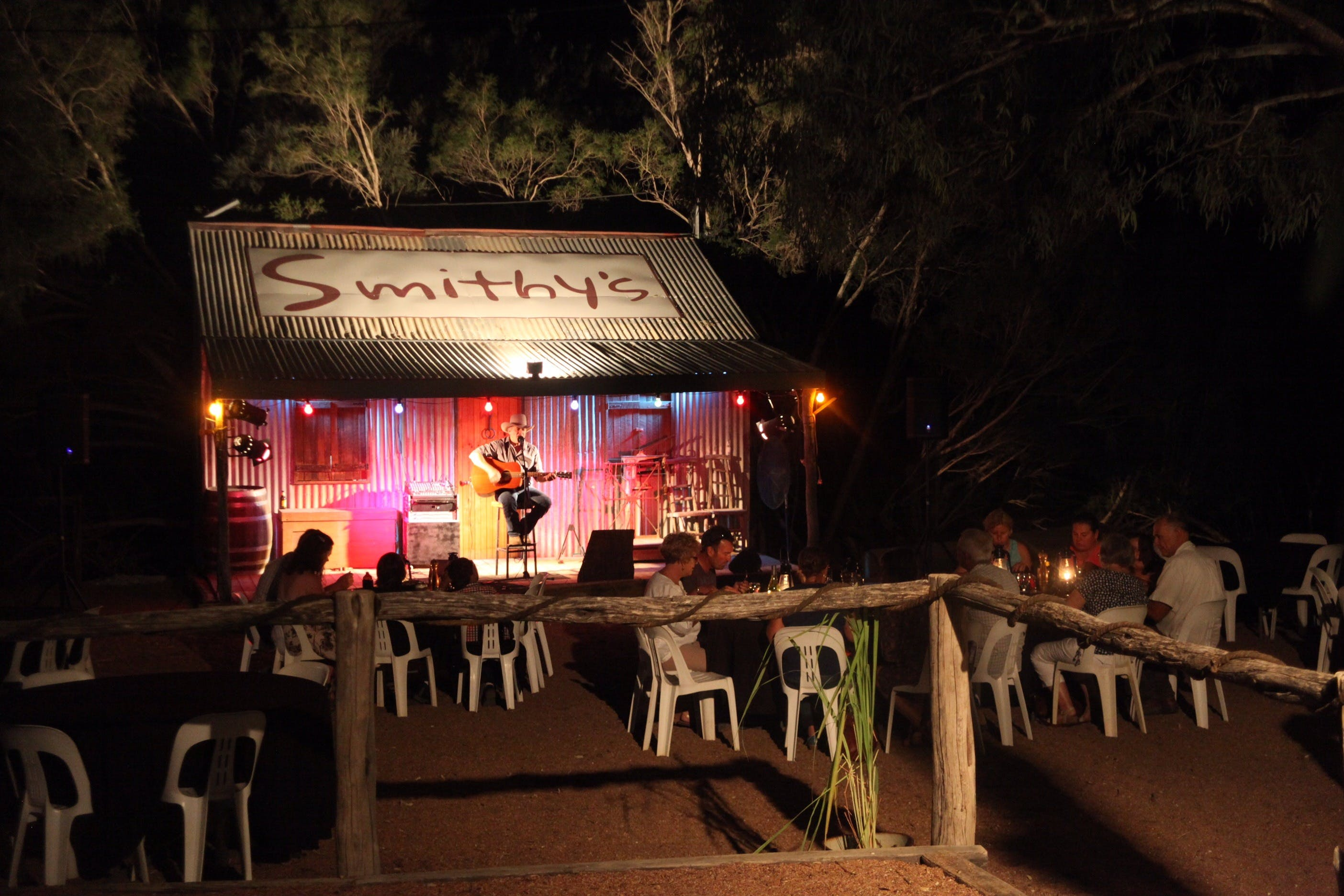 Smithy's Outback Dinner and Show - Accommodation Batemans Bay